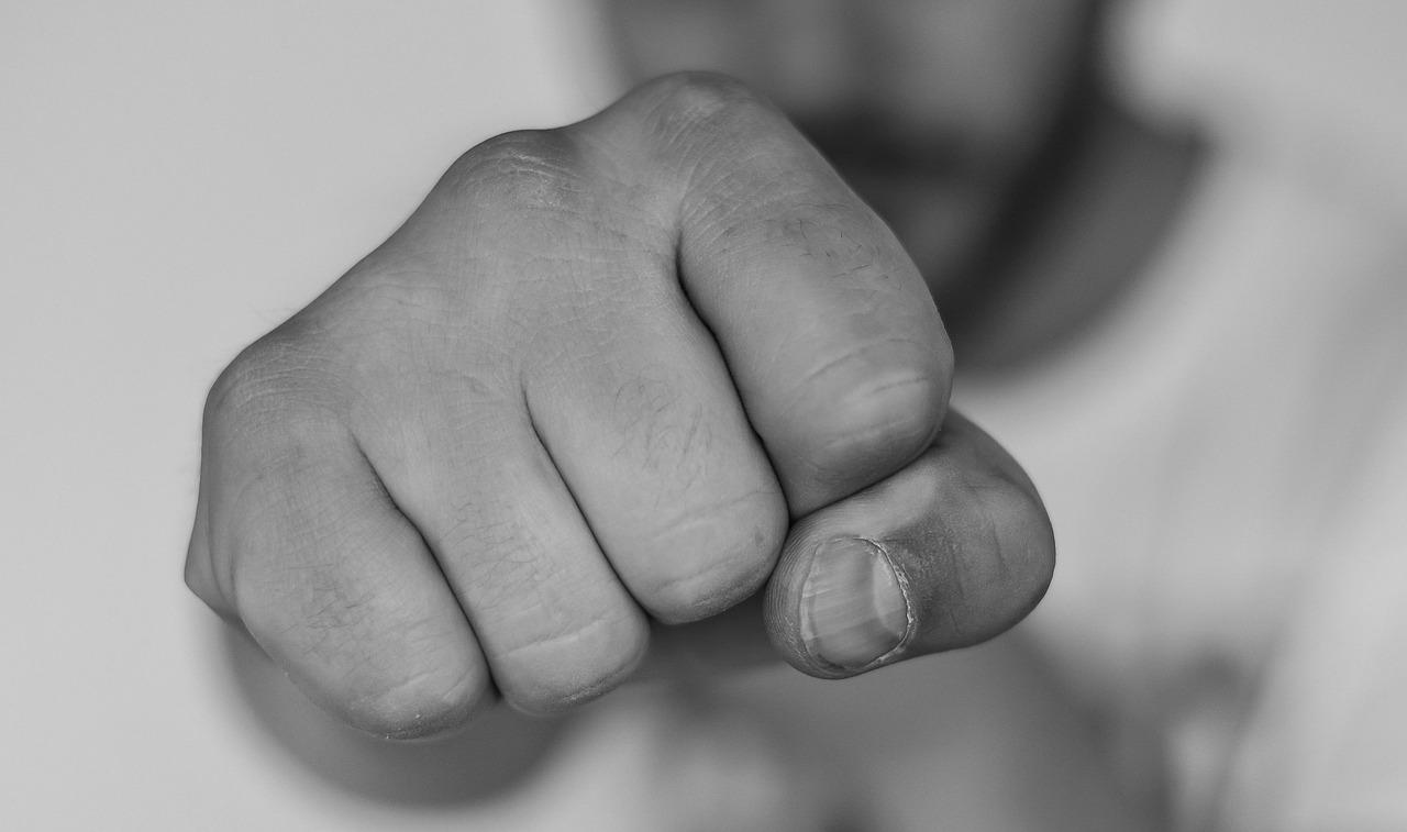 imagen sobre educar para prevenir y tratar las conductas violentas relacionadas con el consumo de drogas