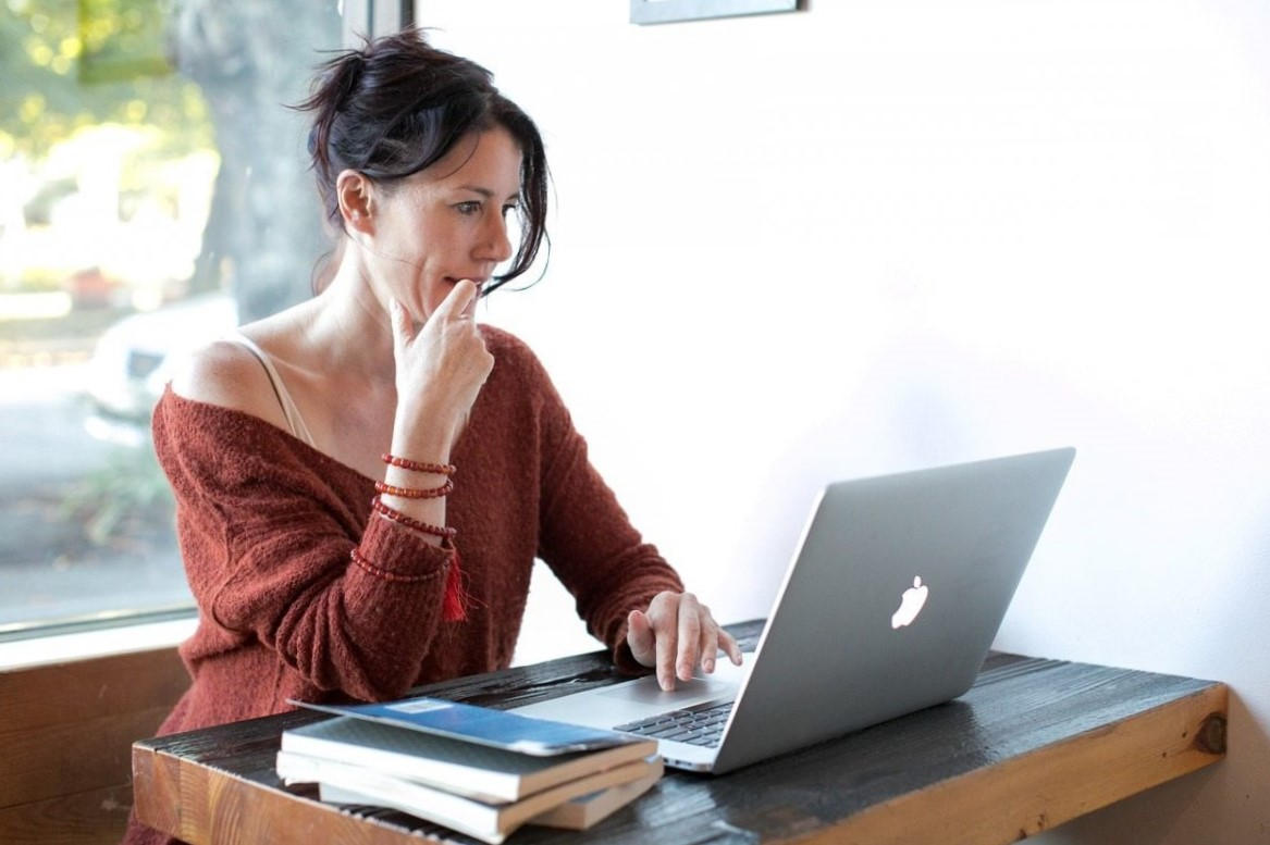 tratamiento de la adicción online en Valencia - mujer