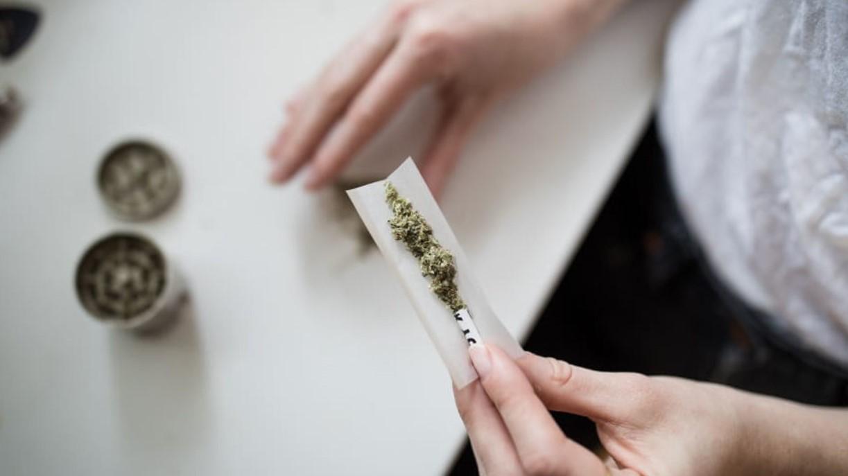 como dejar de fumar porros - cigarro sin hacer