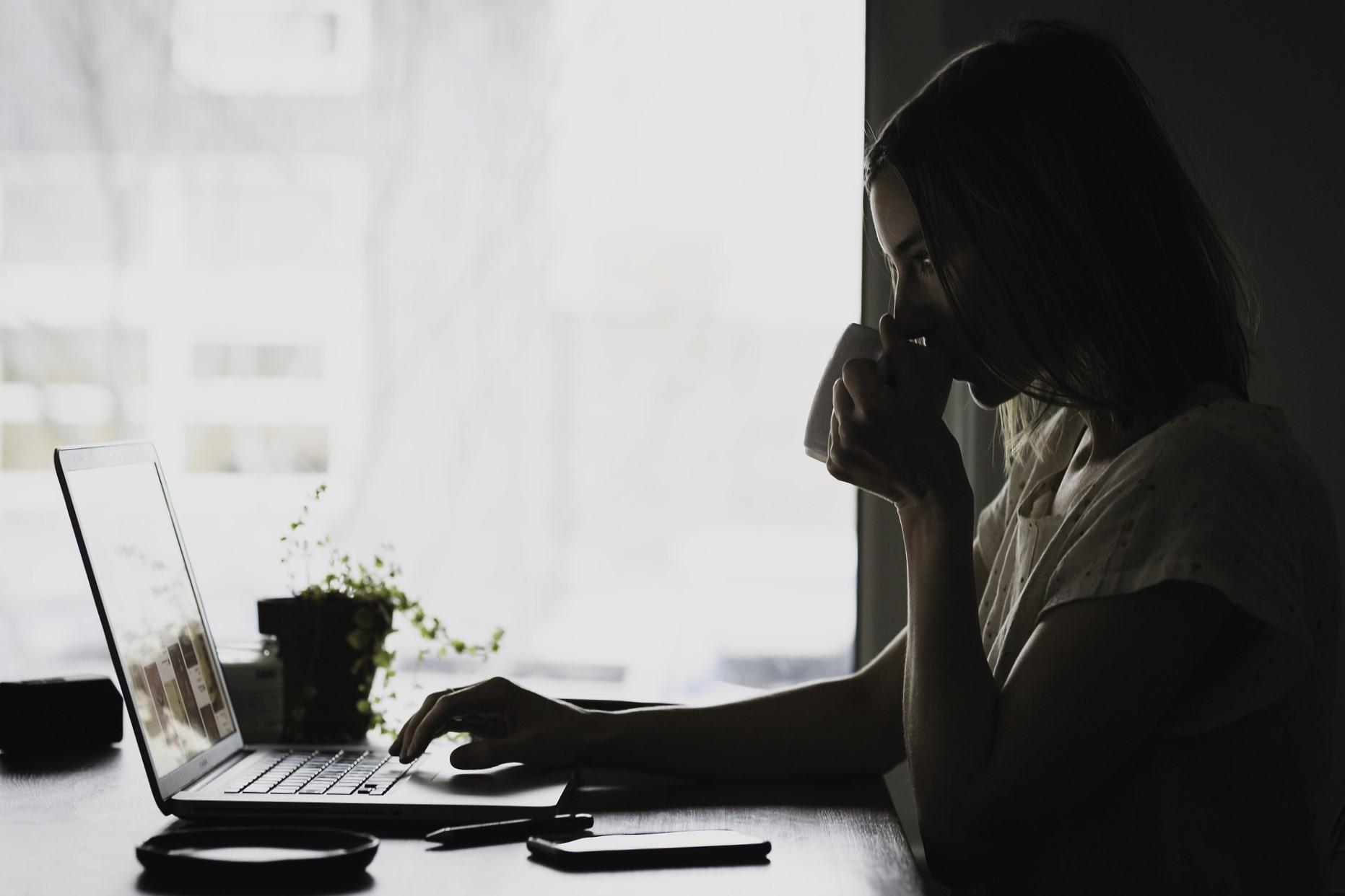 tratamiento de drogadicción online - oscuro